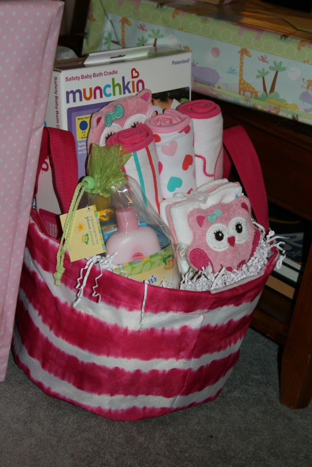 Look at this cute basket just sitting there.  it was from Thresea, she always does such a great job