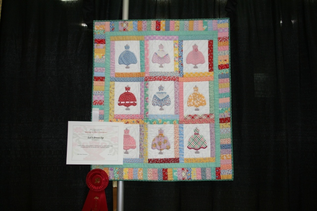 this is Linda H's cute little dresses quilt, I just love it