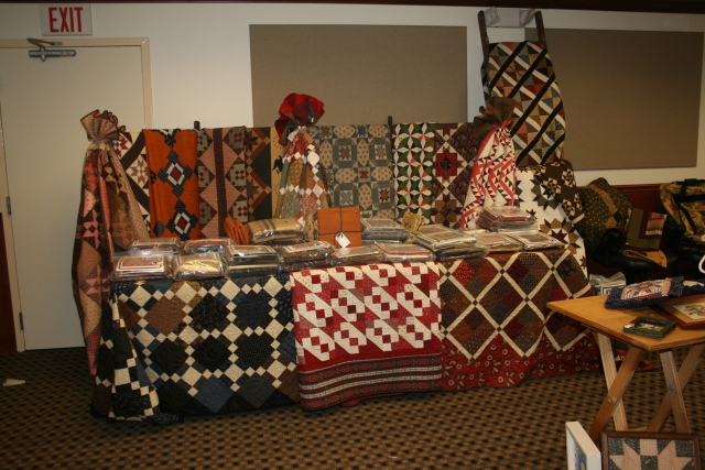 Red Crinoline Quilts booth