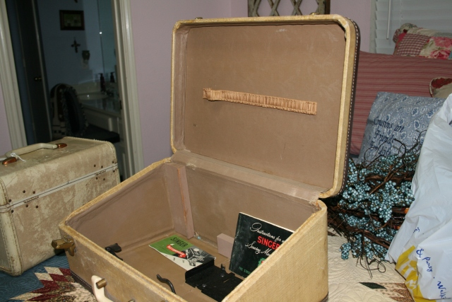 inside the sewing case