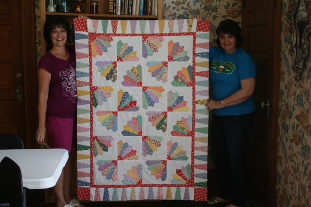 Cheryl's Dresden blade quilt all put together