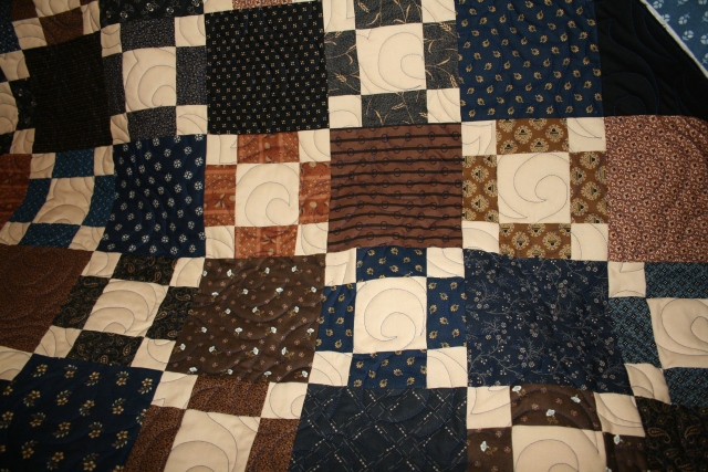 a closer look of the quilting, she is all trimmed up