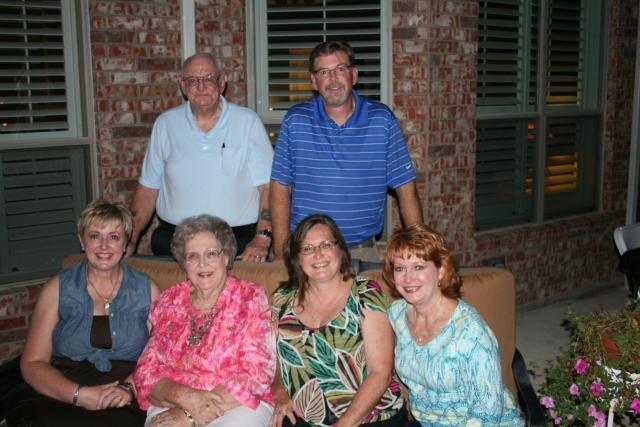 Dad, Grady, Penny, Mom, Pattie and myself