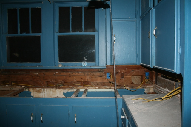 another view of the sink area