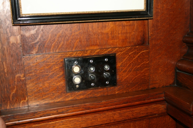 look they have the same switches that we have in our new/old house