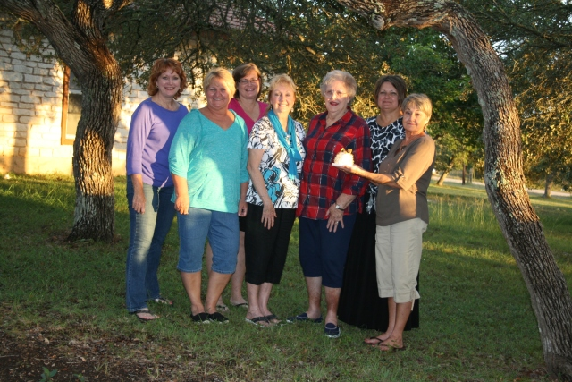Me, Tasha, Pattie, Suzanne, Mom, Tanya and Margie