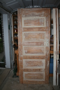 this is the door for the red bedroom, I just have to sand it.