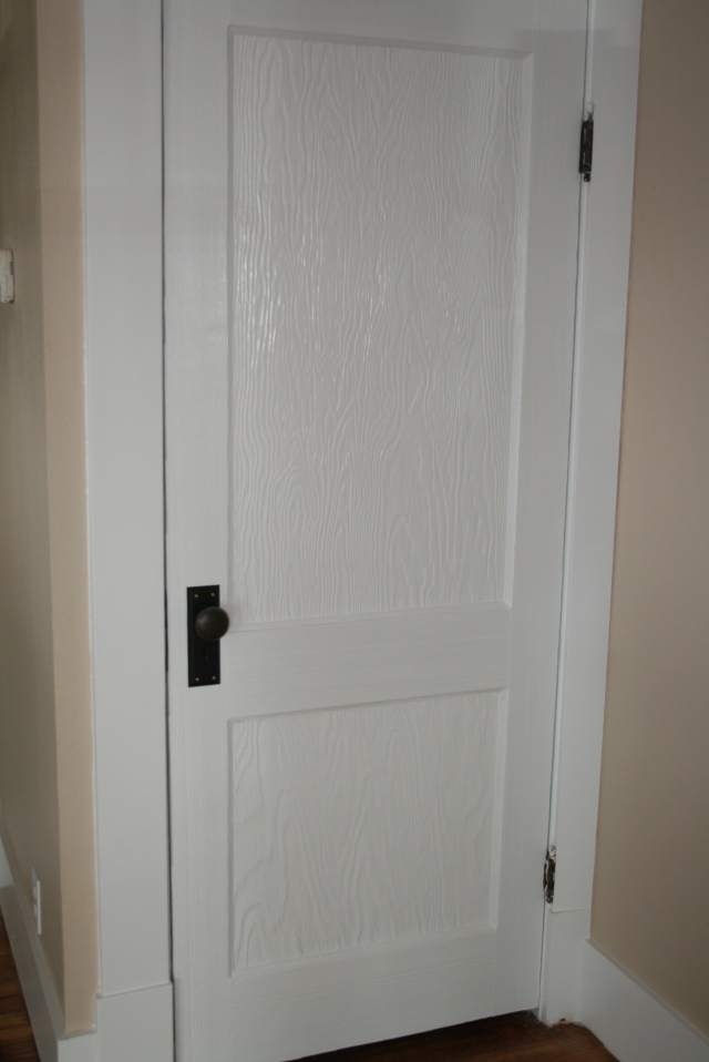 see the pretty door and knobs !