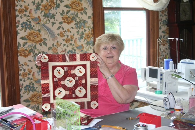 this was Linda's cute snowman quilt