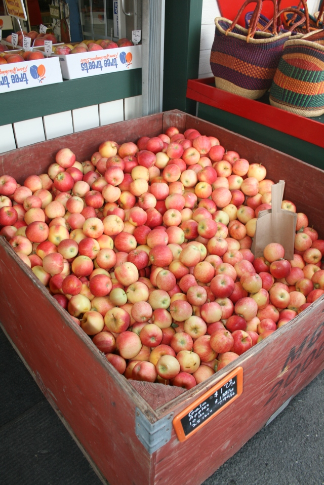 that is huge box of FRESH apples