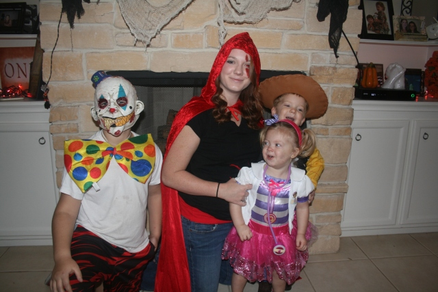 even Katie got into the act.  Kynlee didn't like Jaiden's mask at all