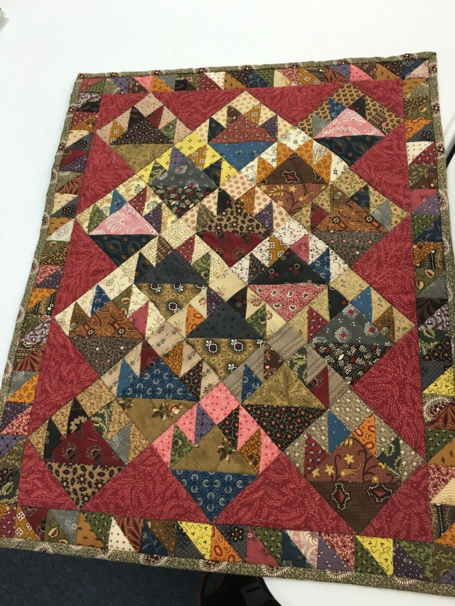 love this cute scrappy mini quilt